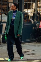 00028-lfw-street-style-ss19-preview-vogue-int-14sept-credit-jonathan-daniel-pryce