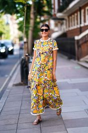 giovanna-battaglia-wears-a-colored-floral-print-dress-news-photo-1568606523