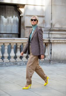 linda-tol-wearing-beige-pants-checkered-blazer-seen-outside-news-photo-1568604269