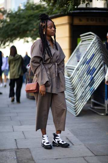 london-fashion-week-street-style-spring-2020-day-5-17