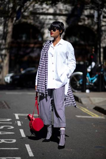 london-fashion-week-street-style-spring-2020-day-5-23